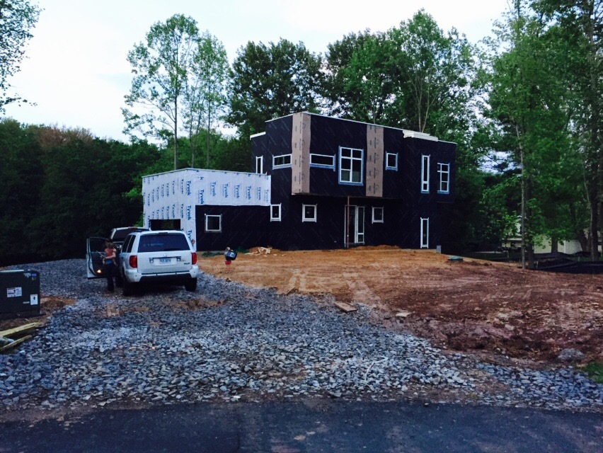 Case Study House #1.16: We Have a Driveway